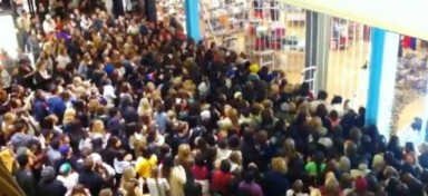 black-friday-large-crowd-632x290